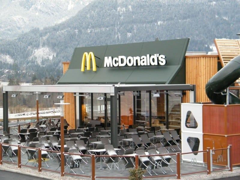 Schladming: McDonald's Terrassenüberdachung by hotiron