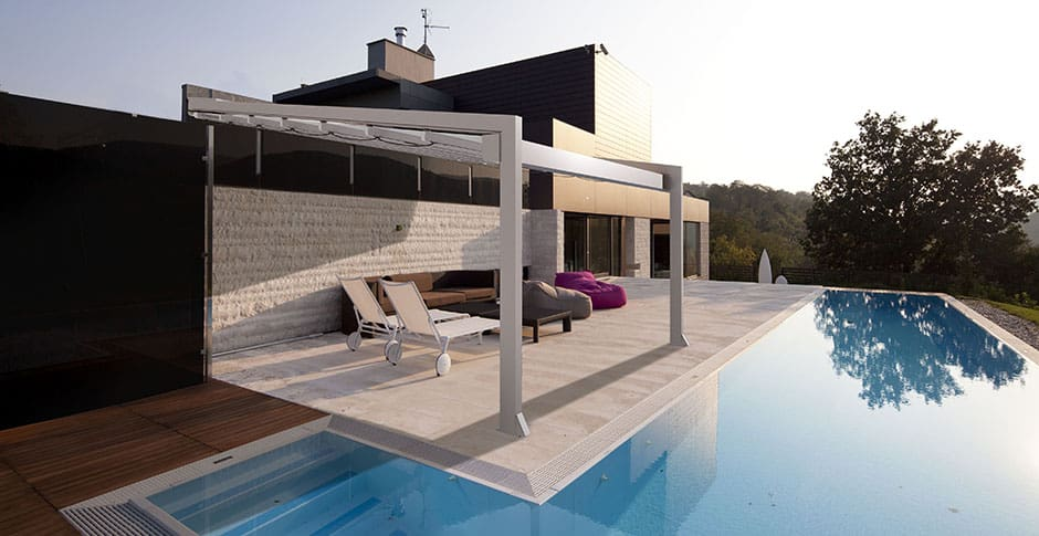 bioklimatische pergola mit drehbaren sonnenschutz lamellen. Black Bedroom Furniture Sets. Home Design Ideas